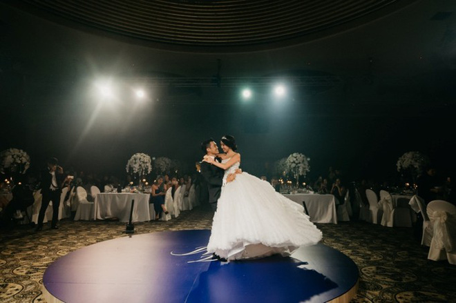Đám cưới tốn kém và kỳ công không thua sao nổi tiếng hay con nhà tỷ phú của nữ blogger thời trang - Ảnh 37.