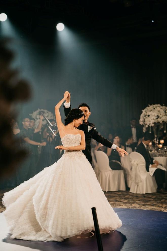 Đám cưới tốn kém và kỳ công không thua sao nổi tiếng hay con nhà tỷ phú của nữ blogger thời trang - Ảnh 35.