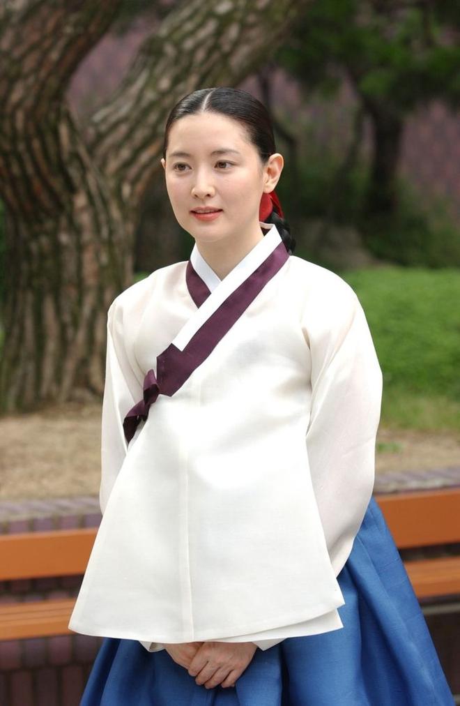 Dàn sao Nàng Dae Jang Geum sau 14 năm: Người vai chính viên mãn, kẻ vai phụ lận đận chưa thể tỏa sáng - Ảnh 2.