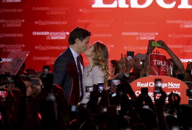 Lời tỏ tình lịm tim và 12 năm hôn nhân trên cả mật ngọt của Thủ tướng Canada đẹp trai như tài tử - Ảnh 4.