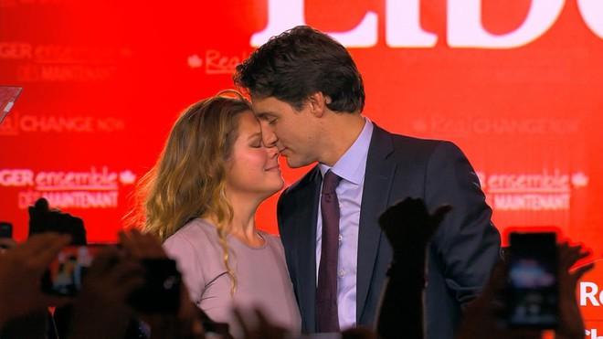 Lời tỏ tình lịm tim và 12 năm hôn nhân trên cả mật ngọt của Thủ tướng Canada đẹp trai như tài tử - Ảnh 19.