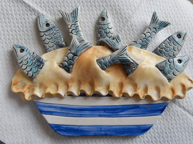 Có gì độc đáo trong chiếc bánh toàn là đầu cá ở nước Anh? - Ảnh 2.
