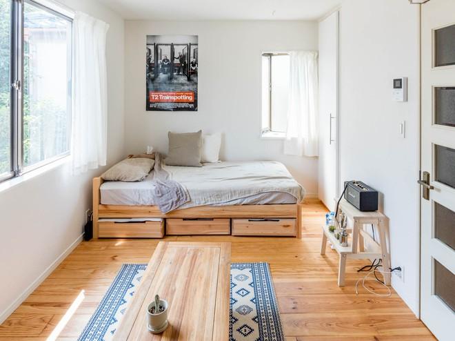 Cận cảnh căn hộ siêu gọn gàng, tiêu biểu cho phong cách tối giản ở Nhật - Ảnh 2.