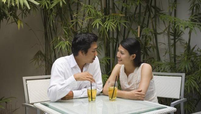 Khảo sát tại 20 nước: Đàn ông Việt Nam là nhóm duy nhất coi trọng vẻ ngoài đối phương hơn tính cách - Ảnh 2.
