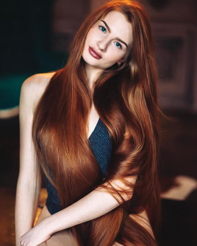 Từng bị rụng tóc đến hói cả đầu, nhờ những bí quyết nhỏ này cô gái Nga đã trở thành nàng Rapunzel đời thực vạn người mê - Ảnh 6.