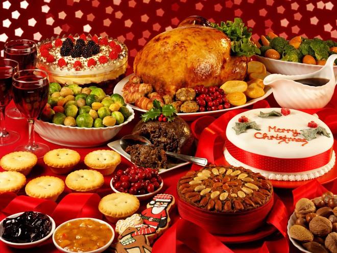 Đi vòng quanh thế giới xem mọi người ăn gì vào bữa tối Giáng Sinh - Ảnh 1.
