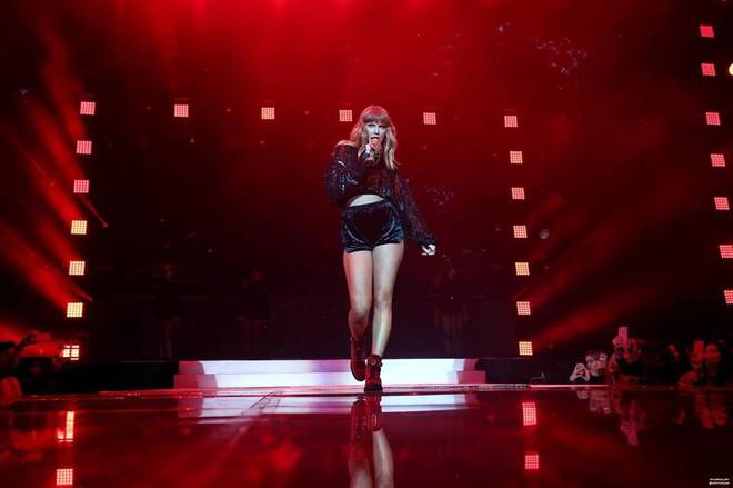 Đôi chân tỷ lệ vàng trị giá 40 triệu USD của Taylor Swift nay còn đâu khi cô nàng đang tăng cân không phanh thế này? - Ảnh 3.
