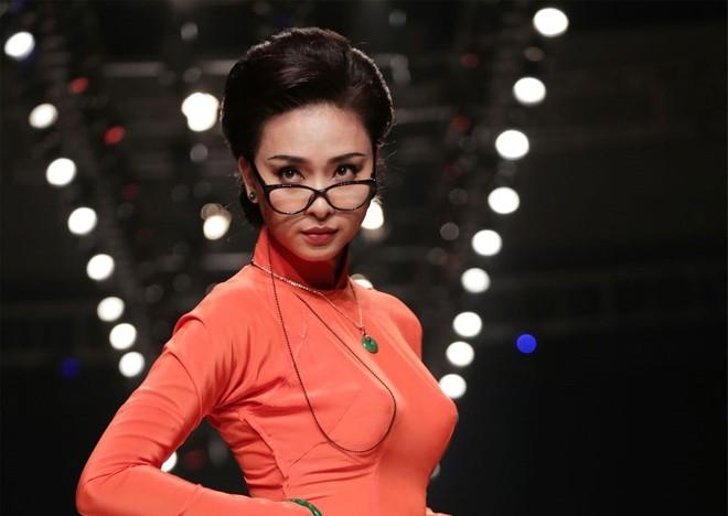 Đả nữ Ngô Thanh Vân nude táo bạo khoe thân hình nóng bỏng ở tuổi 38 - Ảnh 3.