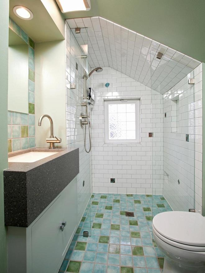 14 mẫu nhà tắm gác mái chỉ cần nhìn qua đã thấy ưng mắt - Ảnh 10.
