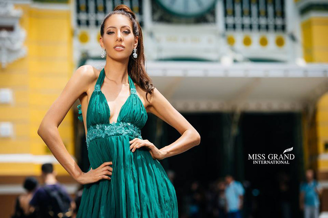 Lỗi thời trang của dàn thí sinh Miss Grand International: Người khoe hai lưng, người diện đầm như đồ cũ 10 năm trước - Ảnh 11.