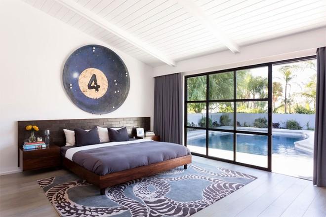 Thiết kế phòng ngủ theo phong cách Midcentury ấm áp đón đông về - Ảnh 11.