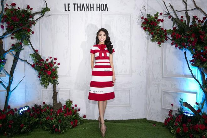 Bao nhiêu Hoa hậu hội tụ trên thảm đỏ sự kiện thời trang, nổi nhất vẫn là Phạm Hương và Đỗ Mỹ Linh - Ảnh 11.