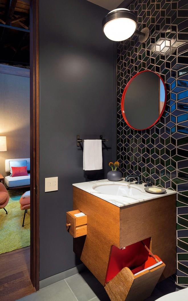 Nhà máy xà phòng cũ được cải tạo thành không gian sống đẹp đến khó tin - Ảnh 12.