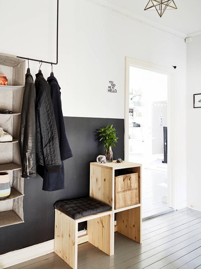 Những thiết kế sảnh căn hộ đậm màu phong cách Bắc Âu - Ảnh 12.