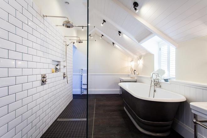 14 mẫu nhà tắm gác mái chỉ cần nhìn qua đã thấy ưng mắt - Ảnh 14.