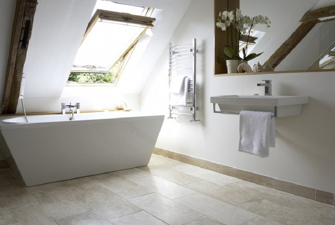 14 mẫu nhà tắm gác mái chỉ cần nhìn qua đã thấy ưng mắt - Ảnh 3.
