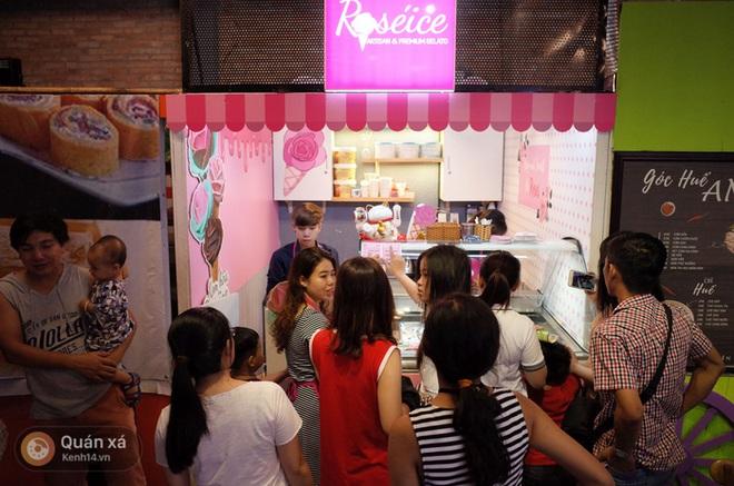 Sài Gòn: Đi thử ngay món kem hoa hồng đang khiến cư dân mạng thế giới sốt xình xịch - Ảnh 4.