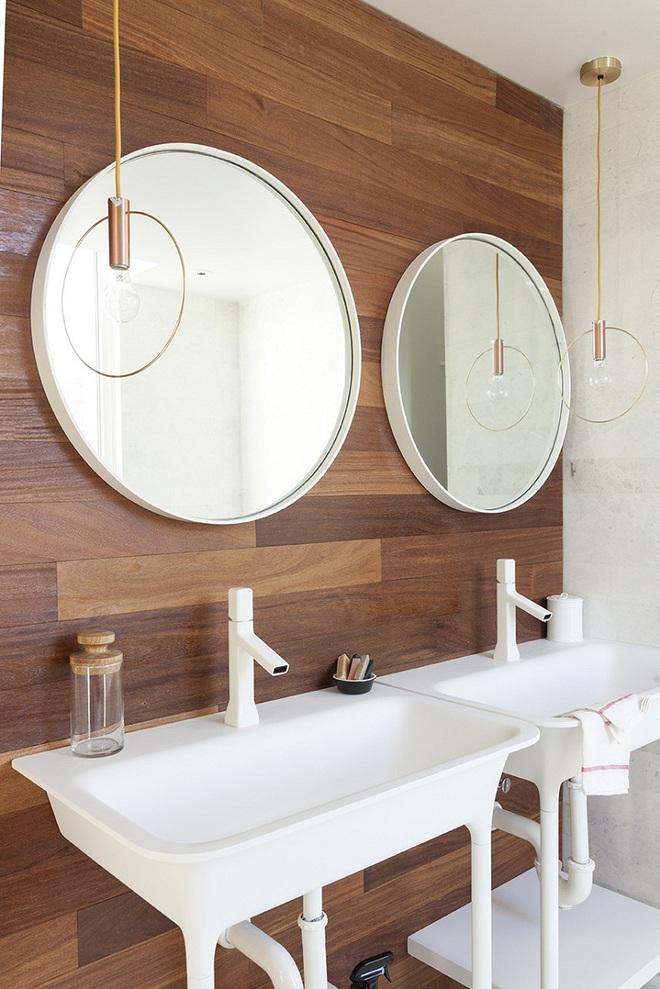 Nhìn ngắm vẻ đẹp khiến tim bạn rụng rời của những mẫu phòng tắm mang phong cách Midcentury - Ảnh 3.