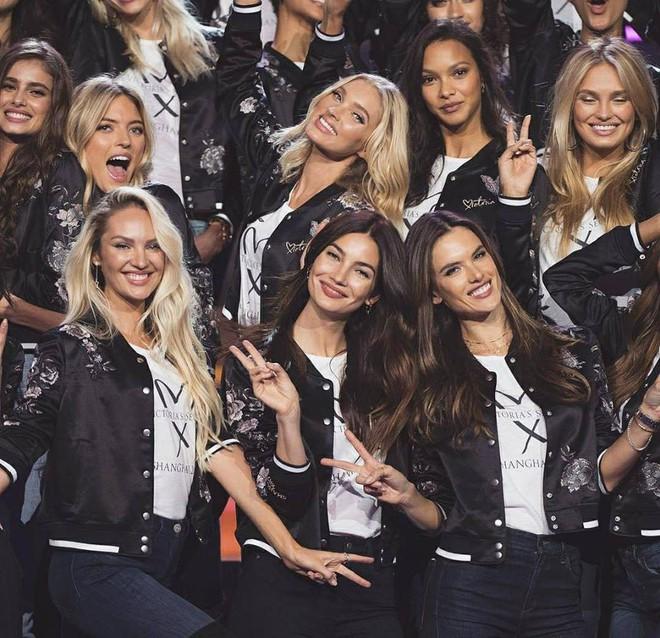 Dàn mẫu Victorias Secret xinh phát ngất trong buổi họp báo chính thức tại Thượng Hải - Ảnh 3.