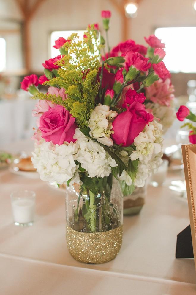 Những cách cắm hoa đơn giản giúp căn nhà từ buồn tẻ trở nên vô cùng sinh động - Ảnh 3.