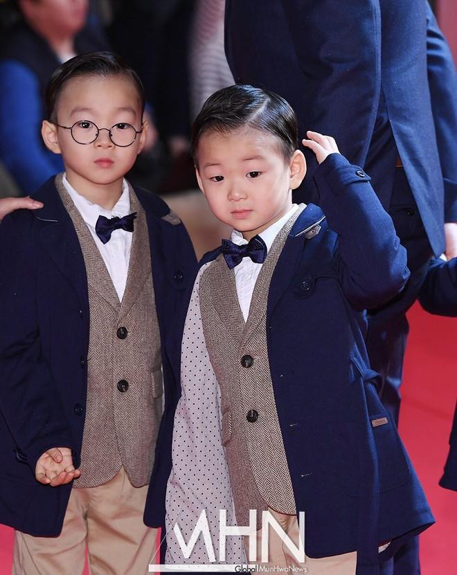 """Đâu kém cạnh bố mẹ là sao lớn xứ Hàn, các thiên thần nhí này cũng """"nổi như cồn"""", vang danh khắp mọi nơi - ảnh 21"""