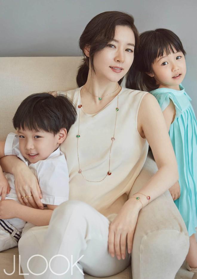 """Đâu kém cạnh bố mẹ là sao lớn xứ Hàn, các thiên thần nhí này cũng """"nổi như cồn"""", vang danh khắp mọi nơi - Ảnh 23."""