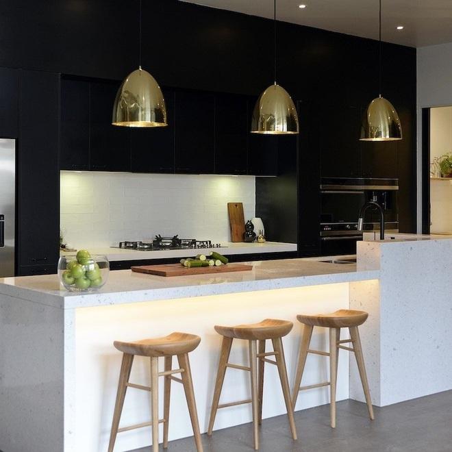 Ngắm hoài không chán 16 căn bếp vượt thời gian với gam màu đen – trắng - Ảnh 4.