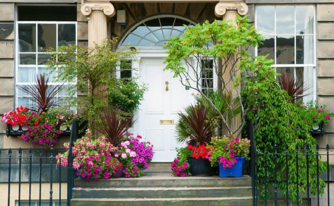 Muôn kiểu cửa nhà có hoa khiến ai ai đi qua cũng phải ngoái nhìn - Ảnh 4.