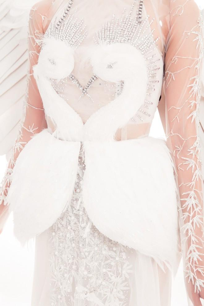 Á hậu Thùy Dung hóa thân thành nàng tiên trong trang phục truyền thống tại Miss International 2017 - Ảnh 4.