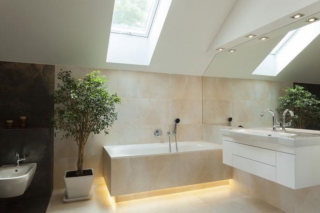 14 mẫu nhà tắm gác mái chỉ cần nhìn qua đã thấy ưng mắt - Ảnh 5.