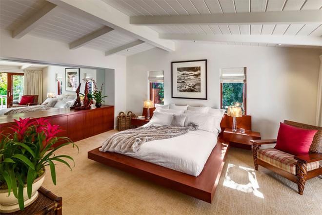 Thiết kế phòng ngủ theo phong cách Midcentury ấm áp đón đông về - Ảnh 5.