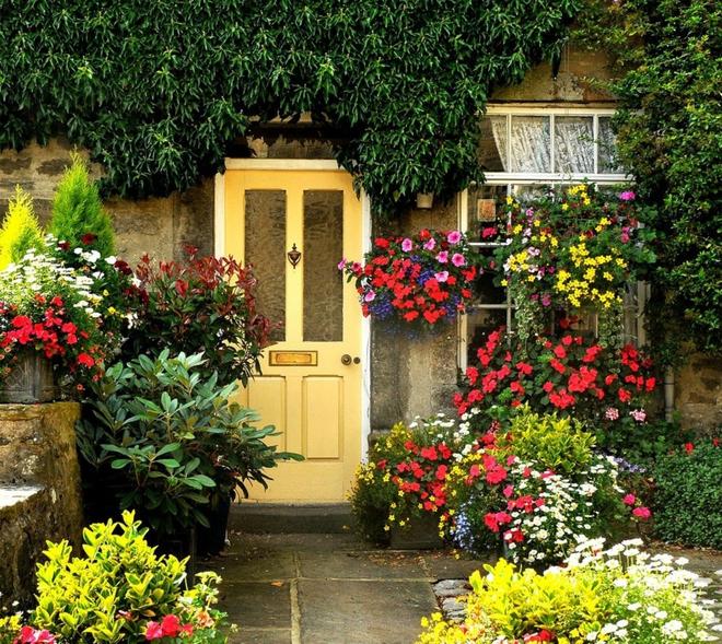 Muôn kiểu cửa nhà có hoa khiến ai ai đi qua cũng phải ngoái nhìn - Ảnh 5.