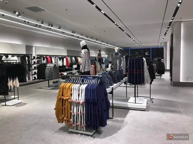 HOT: Tận mặt ngắm trọn 3 tầng của store Zara Hà Nội, to và sáng nhất phố Bà Triệu - Ảnh 5.