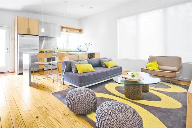 Những ý tưởng trang trí phòng khách với cặp đôi không bao giờ lỗi mốt: vàng - xám - Ảnh 6.