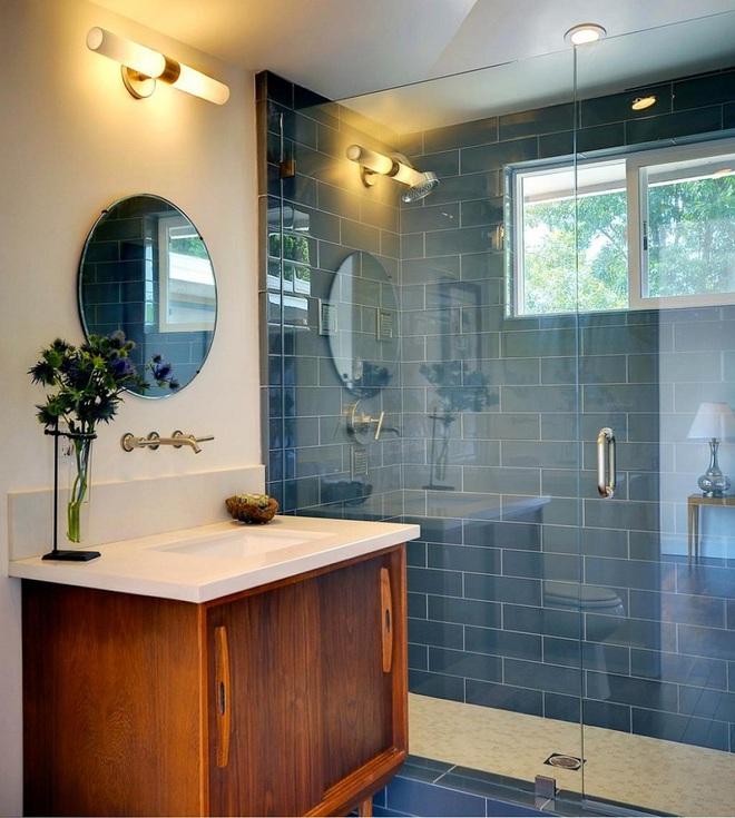 Nhìn ngắm vẻ đẹp khiến tim bạn rụng rời của những mẫu phòng tắm mang phong cách Midcentury - Ảnh 6.