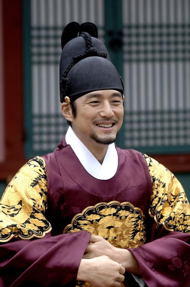 Dàn sao Nàng Dae Jang Geum sau 14 năm: Người vai chính viên mãn, kẻ vai phụ lận đận chưa thể tỏa sáng - Ảnh 6.