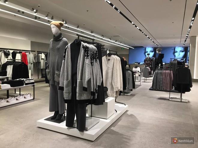 HOT: Tận mặt ngắm trọn 3 tầng của store Zara Hà Nội, to và sáng nhất phố Bà Triệu - Ảnh 6.