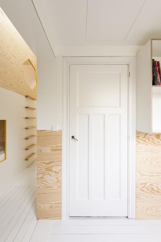 Với phòng ngủ nhỏ mà có võ thế này, bố mẹ hoàn toàn có thể yên tâm về nơi ngủ, chỗ chơi cho trẻ - Ảnh 9.