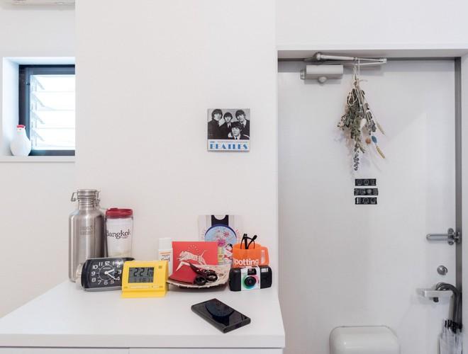 Cận cảnh căn hộ siêu gọn gàng, tiêu biểu cho phong cách tối giản ở Nhật - Ảnh 6.