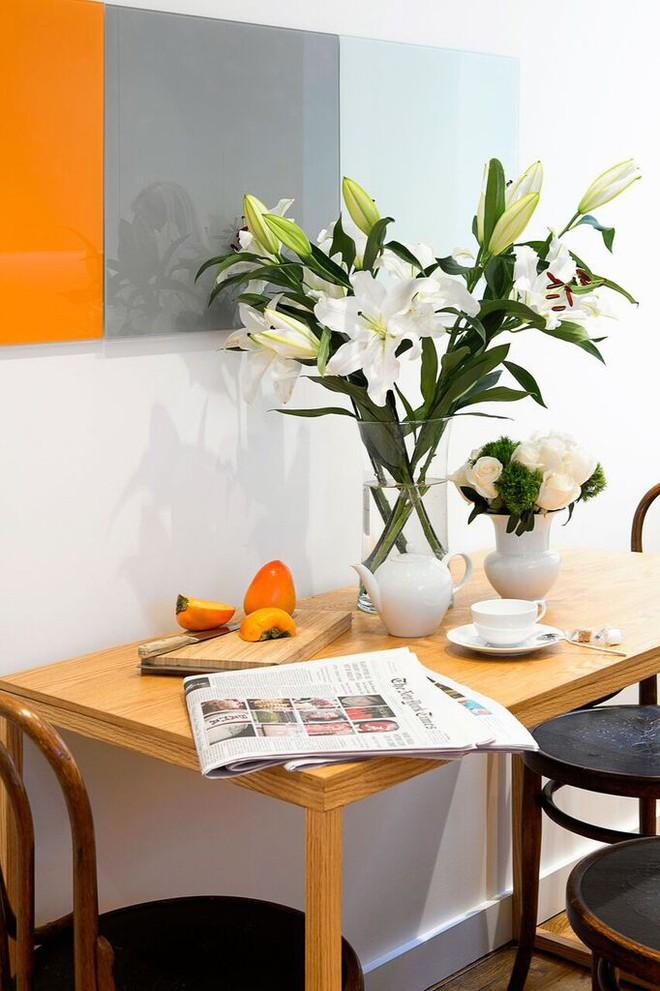 Nhà bếp nhỏ đa chức năng của căn hộ này khiến ai thấy cũng mê - Ảnh 7.