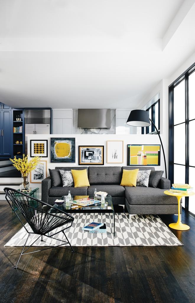Những ý tưởng trang trí phòng khách với cặp đôi không bao giờ lỗi mốt: vàng - xám - Ảnh 8.