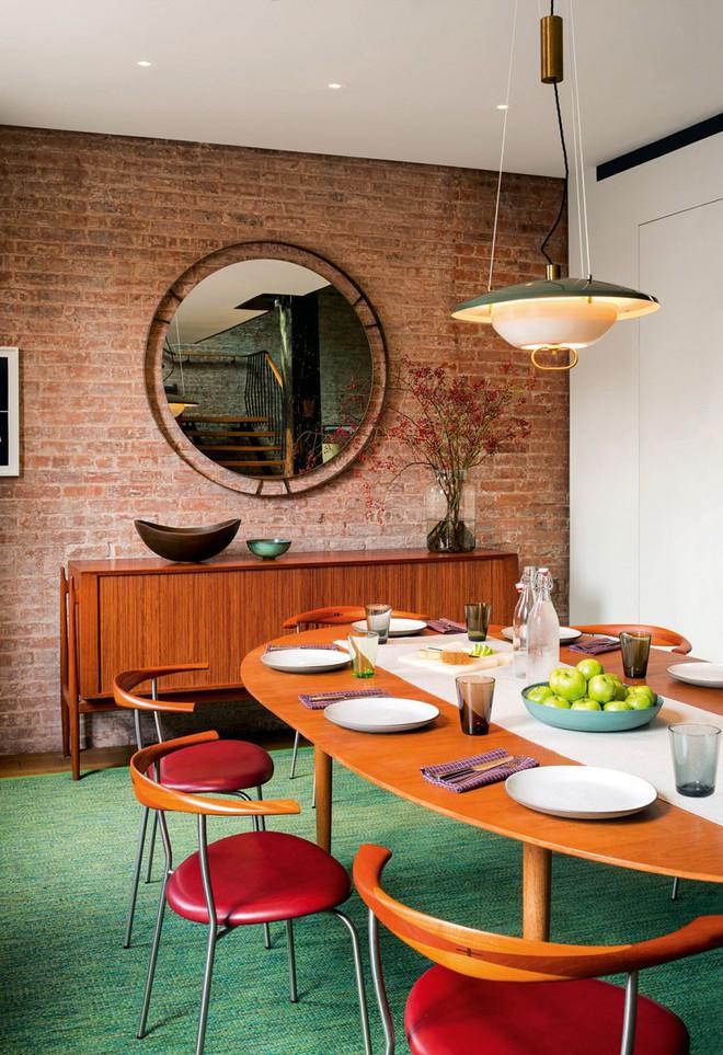 Nhà máy xà phòng cũ được cải tạo thành không gian sống đẹp đến khó tin - Ảnh 8.