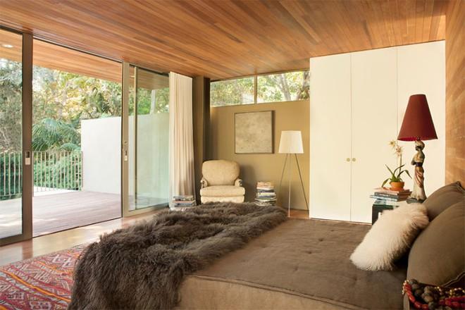 Thiết kế phòng ngủ theo phong cách Midcentury ấm áp đón đông về - Ảnh 8.