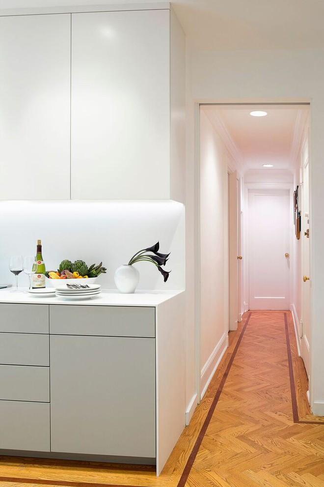 Nhà bếp nhỏ đa chức năng của căn hộ này khiến ai thấy cũng mê - Ảnh 8.