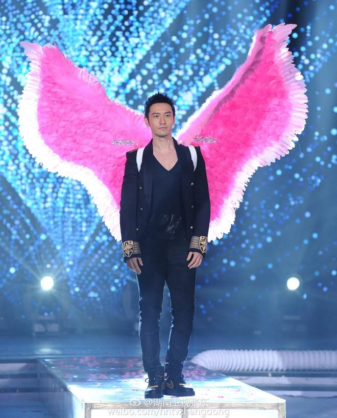 Hóa ra Dương Mịch, Angela Baby... đều đã từng đeo cánh ăn theo các thiên thần Victorias Secret và trổ tài catwalk - Ảnh 8.