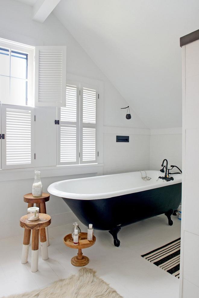 14 mẫu nhà tắm gác mái chỉ cần nhìn qua đã thấy ưng mắt - Ảnh 8.