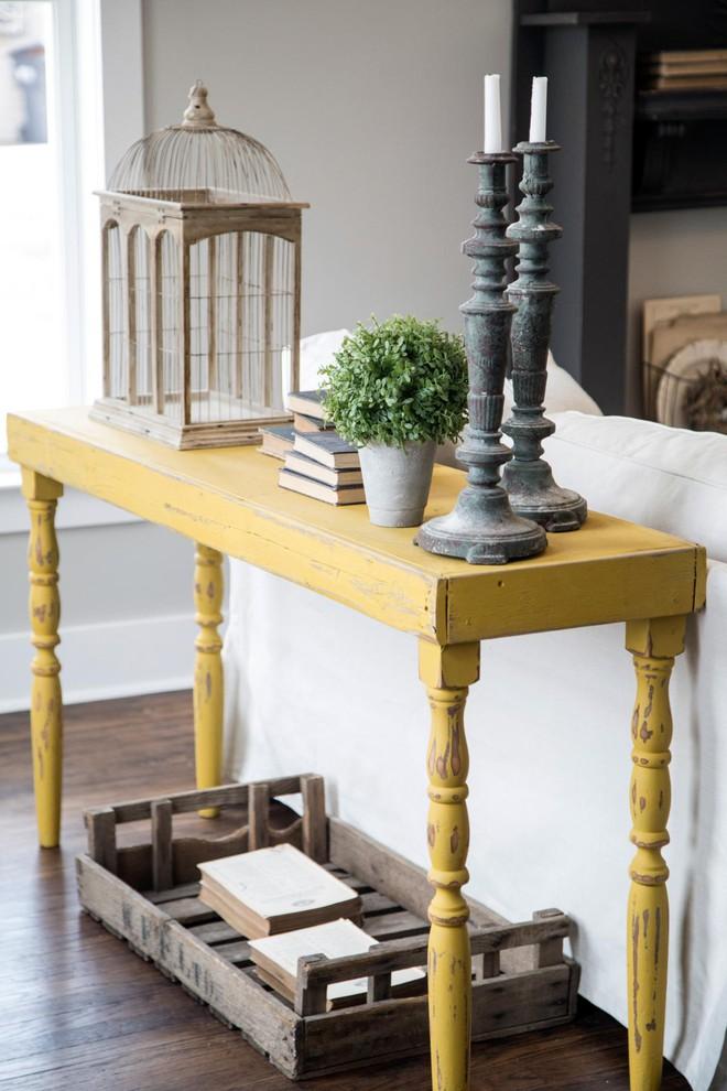 Những ý tưởng trang trí phòng khách với cặp đôi không bao giờ lỗi mốt: vàng - xám - Ảnh 9.