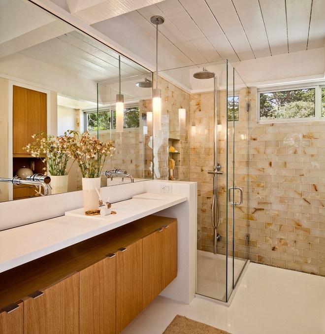 Nhìn ngắm vẻ đẹp khiến tim bạn rụng rời của những mẫu phòng tắm mang phong cách Midcentury - Ảnh 9.