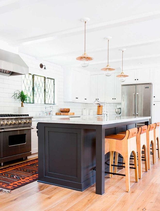 Ngắm hoài không chán 16 căn bếp vượt thời gian với gam màu đen – trắng - Ảnh 8.