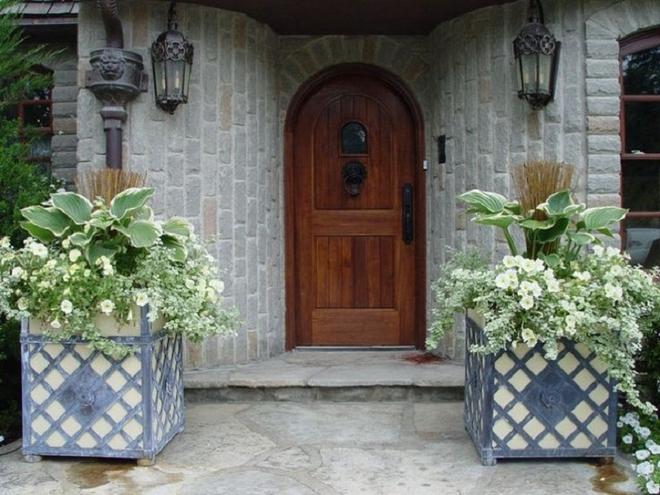 Muôn kiểu cửa nhà có hoa khiến ai ai đi qua cũng phải ngoái nhìn - Ảnh 9.